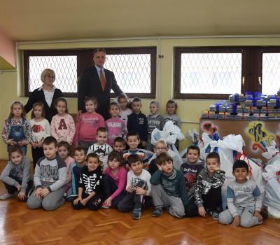 Sunoko obezbedio igračke za mališane u predškolskoj ustanovi Vlada Obradović Kameni u Pećincima